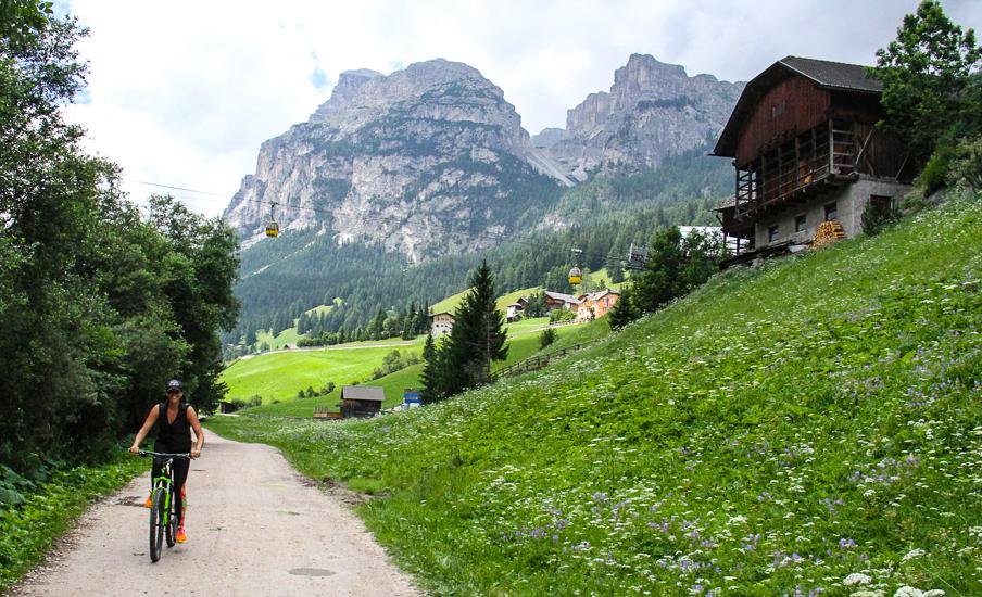 italy-dolomite-mountains-skye-on-bike